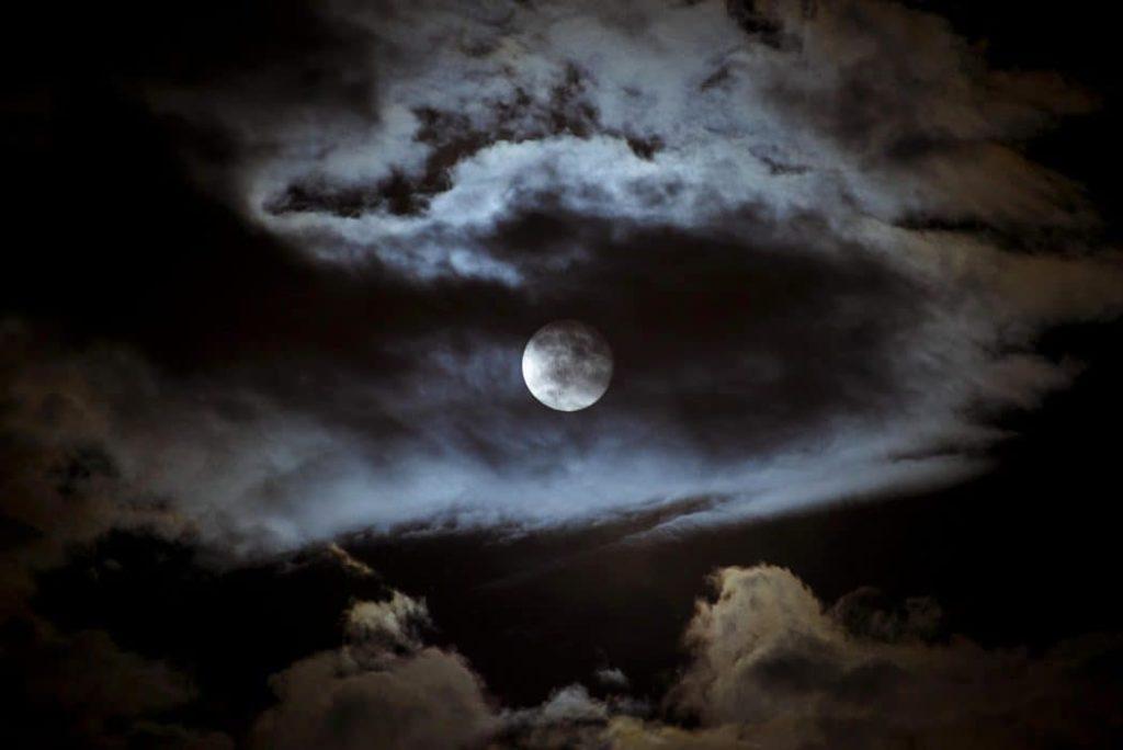 LifetimeStock 17829 L 1024x684 - Rare Super Blue Blood Moon Occurs Tomorrow